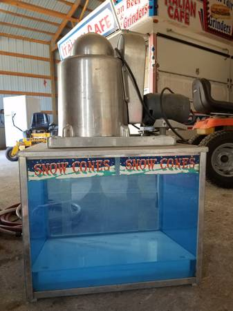 Photo Echcols Snow Cone Machine - $600 (Des Moines)