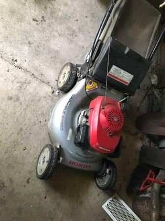 Honda smart drive lawnmower - $180 (Fort dodge)