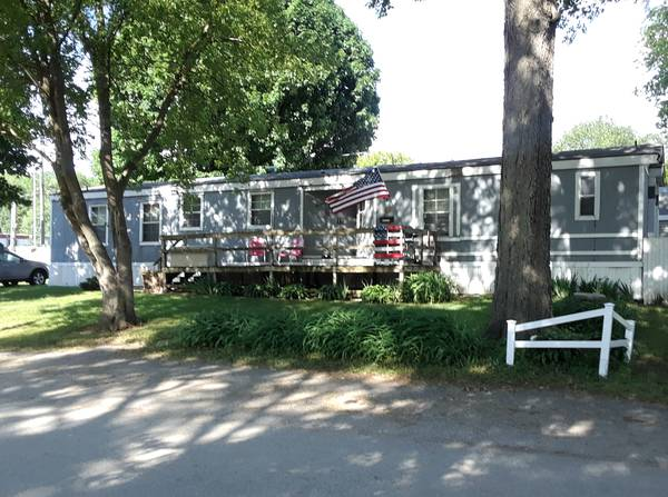 Photo Mobile Home- Must see- A lot of home for the price (Cedar Falls)