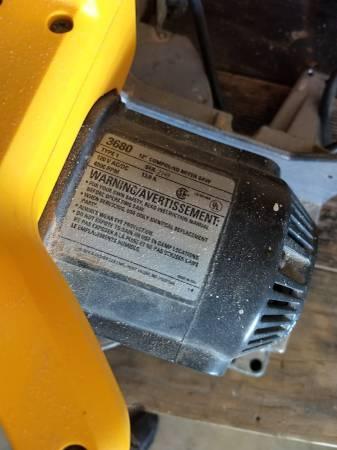 Photo Non working black and decker dewalt saw - $20 (Altoona)