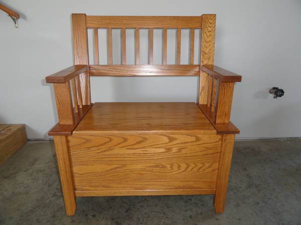 Photo Oak Mission Style Bench with storage - $120 (Mankato)