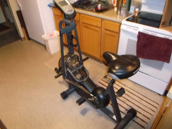 Photo Schwinn air bike - $145 (MANKATO)