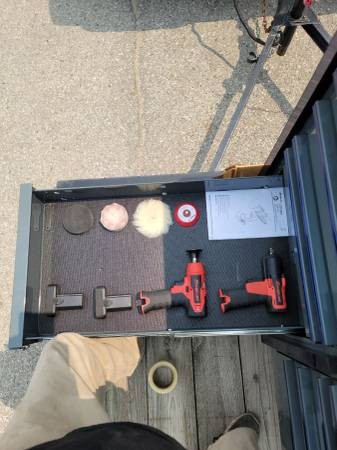Photo Snap-on tool box with tools everything still like new - $15,000 (WHITTMORE)