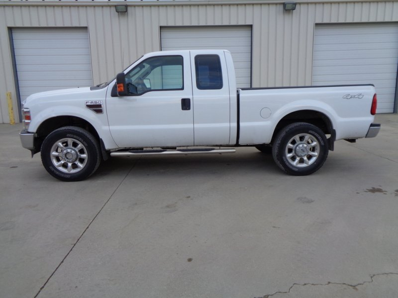 Photo Used 2009 Ford F250 4x4 SuperCab Super Duty for sale