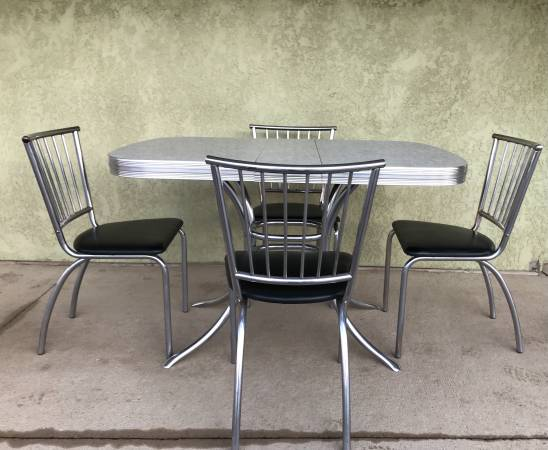 Photo Vintage Kitchen Table  Chair Set - $325 (Lamberton)