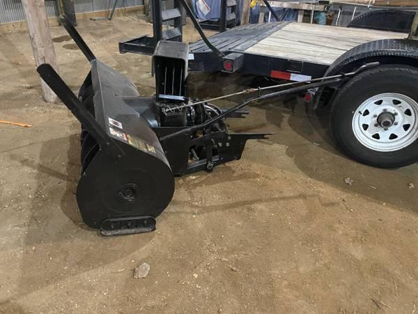 Photo garden tractor snowblower - $225 (Burt Iowa)