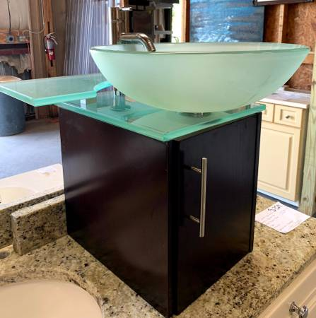 Photo 12quot Powder Room Vessel Sink And Cabinet Missing Small Cover Box - $200 (Bonita Springs)