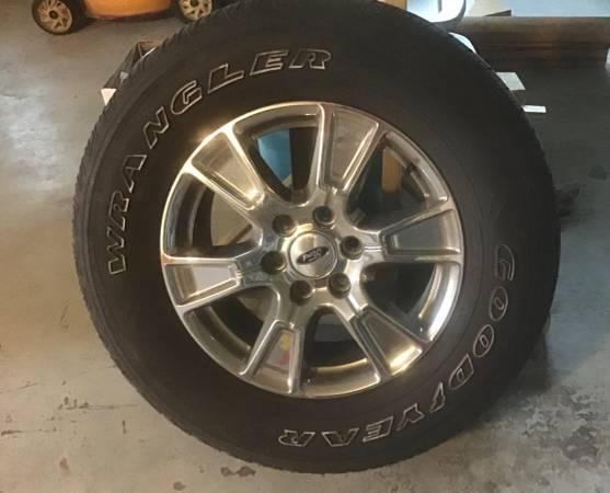 Photo 18 Ford F150 Tires  Wheels - $400 (FTMY)