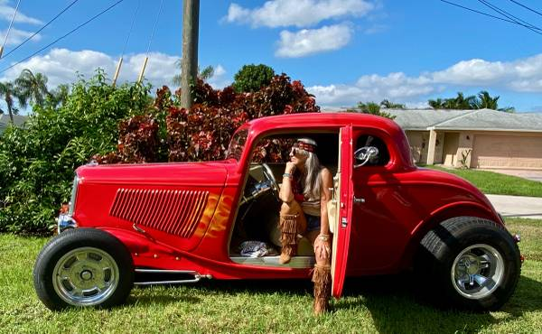 Photo 1933 Ford 5 window coupe high boy street rod real steel - $60,000 (cape coral)