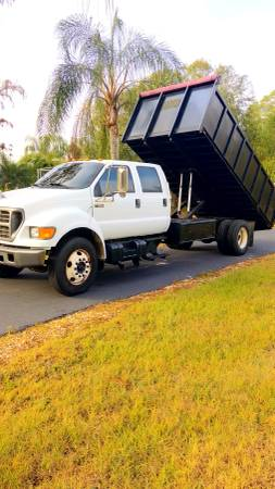 Photo 2000 FORD F-650 4 DOOR DUMP TRUCK - $1 (North Fort Myers)
