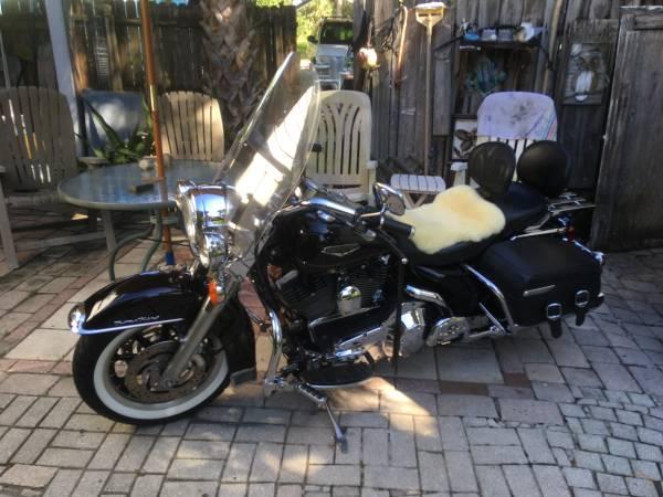 Photo 2001 Harley Davidson roadking classic - $6,800 (Port CHARLOTTE fl.)