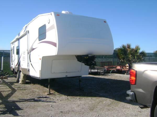 Photo 2004 Keystone Laredo - $14,000 (Moore Haven)
