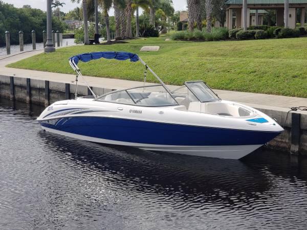 Photo 2006 Yamaha sx230 - $18,900 (Cape Coral)