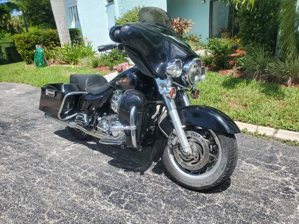 Photo 2007 Harley Davidson Electra Glide Classis - $5,995 (North Fort Myers)