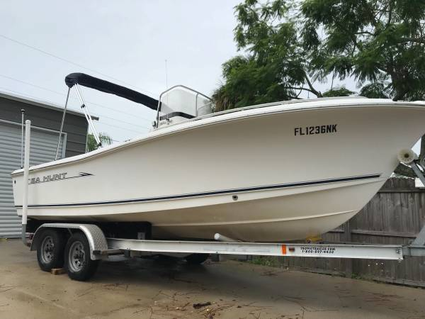 Photo 2007 SEAHUNT 202 TRITON 2039 CENTER CONSOLE SEA HUNT BOAT WITH TRAILER - $23,500 (FORT MYERS)