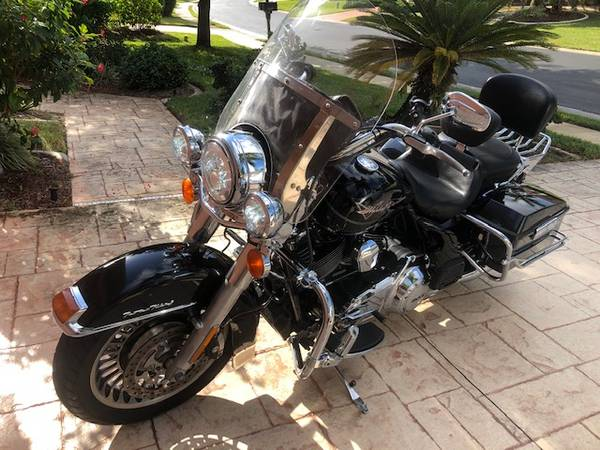 Photo 2013 Harley Road King FLHP - $8,950 (FORT MYERS)