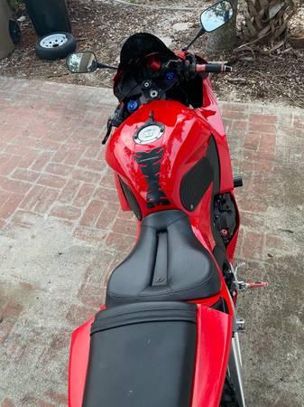 Photo 2013 Honda CBR 600RR - $5,600 (Cape Coral)