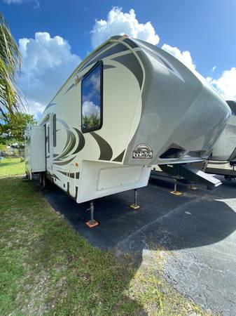 Photo 2014 Keystone Cougar 280RLS - $23,990 (Fort Myers)