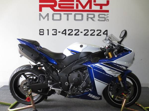 Photo 2014 Yamaha YZF R1 Low Miles FINANCING Available - $9,999 (Riverview)