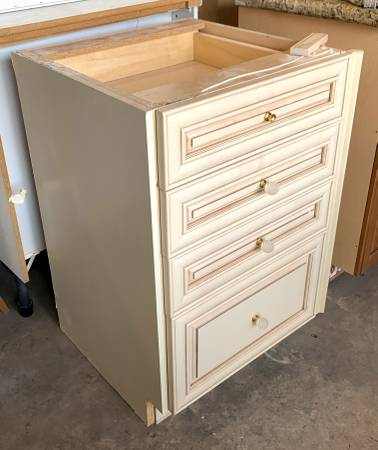 Photo 22quot Antique White 4 Drawer Base Cabinet NO TOP - Used - IGC - $179 (Bonita Springs)