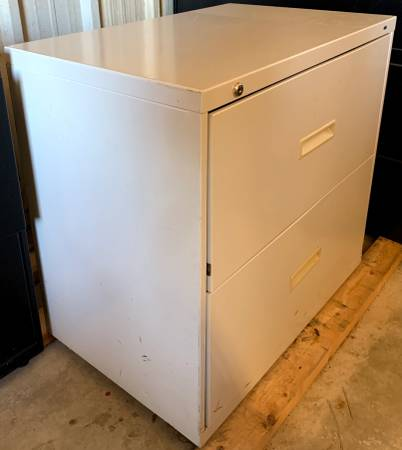 Photo 30quot Wide 2 Drawer Gray Hon Lateral Filing Cabinet - Used In Good Cond - $29 (Bonita Springs)