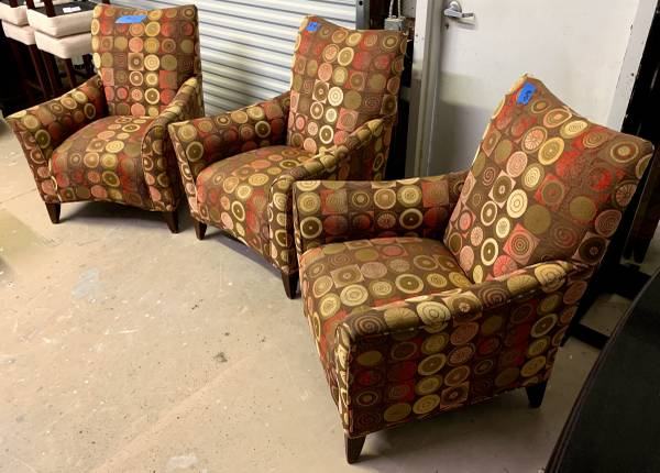 Photo 34quot Wide Set Of 4 Multi-Color Arm Chairs - Used - In Good Condition - $600 (Bonita Springs)