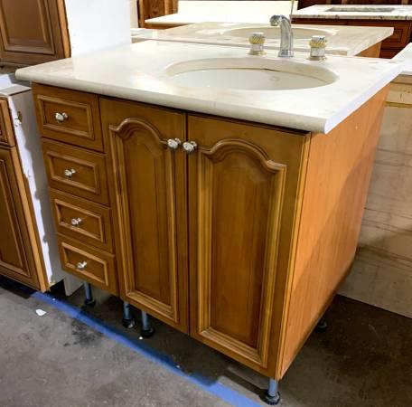 Photo 37.5quot Brown Bathroom Vanity W Granite Top  Kohler Sink - Used - IGC - $299 (Bonita Springs)