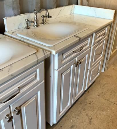 Photo 47quot Wide White Bathroom Vanity W Granite Top Kohler Sink - Used - $379 (Bonita Springs)