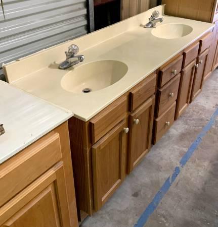 Photo 73quot Wide Light Brown Bathroom Vanity W Granite Top 3 Drawers - Used - $179 (Bonita Springs)