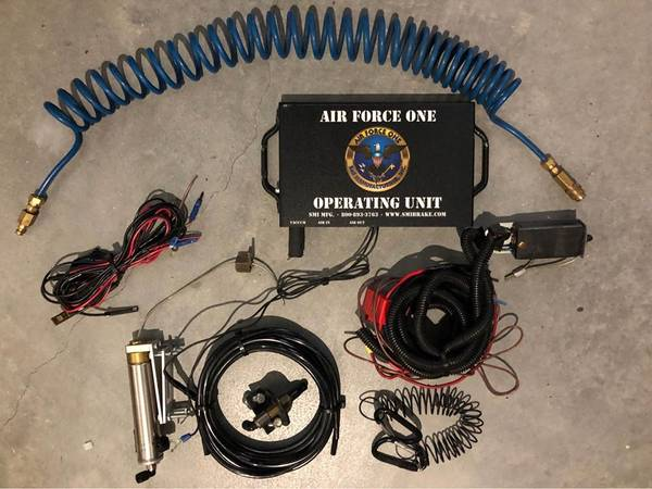 Photo Air Force One RV Motorhome Class A Air Braking System for Tow Vehicle - $750 (Fort Myers)