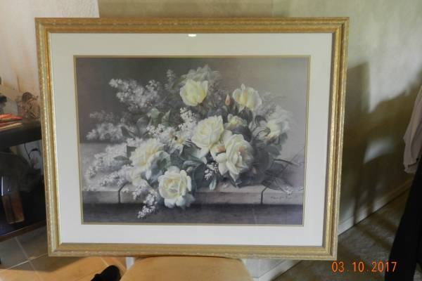 Photo BEAUTIFUL LARGE YELLOW ROSES PICTURE LIKE NEW 41WX34H GLASS FRONT - $40 (cape coral)
