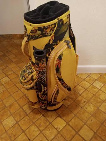 Photo BURTON ladies floral golf bag - $200 (NORTH FORT MYERS)