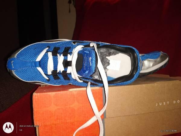 Photo Back to school Nike size 6.0 - $30 (Punta gorda)