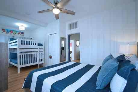 Photo Beautiful Beach House with Private Pool - Steps to the sand Starfish (Clearwater Beach, FL)