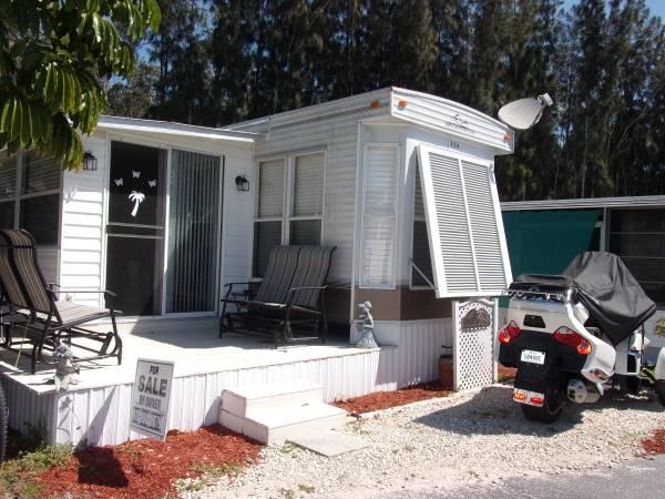 Photo Breckenridge Park Model (reduced price) - $16,500 (Naples, Fl)