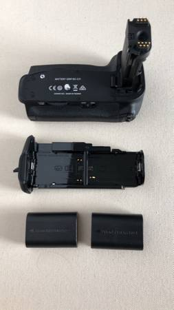 Photo Canon battery grip  dual charger - $125 (Fort Myers)
