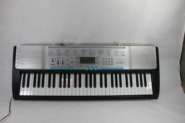 Photo Casio LK-220 Electric Piano Keyboard - $150 (North Fort Myers)