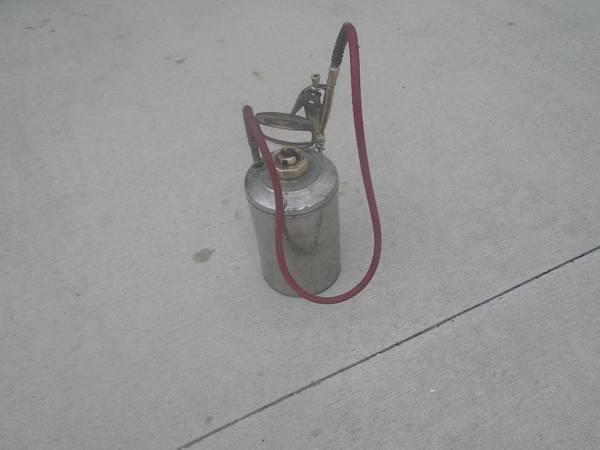 Photo Chapin commercial 1 gallon sprayer - $55 (Punta Gorda)