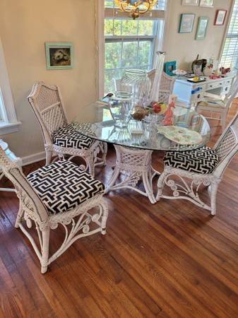 Photo Designer furnished- white painted cottage shabby chic entire contents (El cid west palm)
