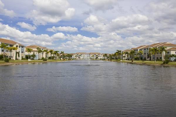 Photo Florida Living Gorgeous apartment home (7500 Omni Lane Fort Myers, FL)