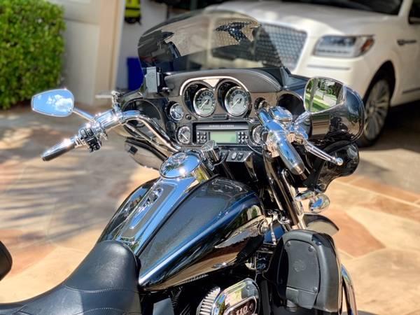 Photo Harley Davidson 2013 CVO Screaming Eagle - $18,000 (Punta gorda Florida)