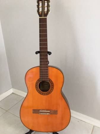 Photo KAWAI KG 150 Classical Guitar 80s Japan - $288 (Marco Island)