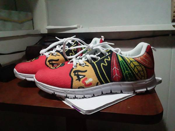 Photo NHL CHICAGO BLACKHAWKS SHOES - $30 (Cape Coral)