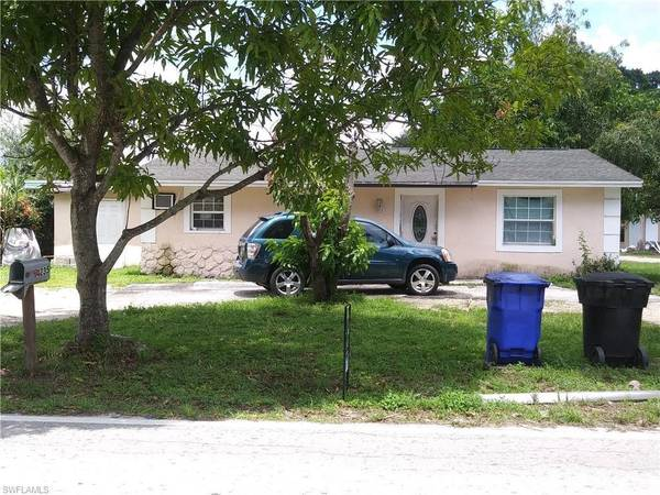 Photo OFF MARKET 32 BLOCK HOME IN FORT MYERS 33916 (FORT MYERS)