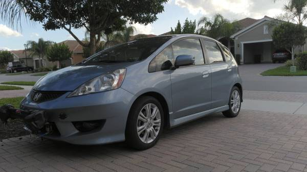 Photo RV toad 2011 Honda Fit Sport w Roadmaster tow kit and Invisibrake - $9500 (Fort Myers)