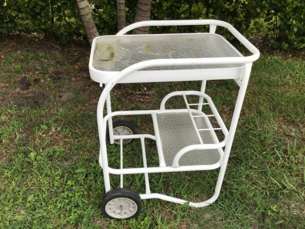 Photo SERVING CART OR BAR CART FOR PATIO - $30 (Cape Coral)