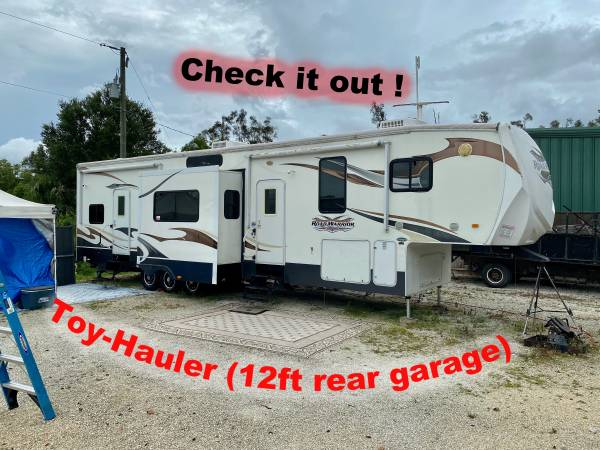Photo ToyHauler - Heartland Road Warrior 395RW - $21,495 (Bonita Springs)