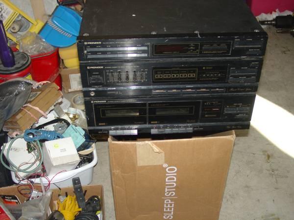 Photo Vintage Pioneer stereo receiver Equilizer Dual Cassette decks - $10 (Punta Gorda Fort Myers)