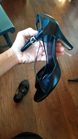 Photo Women Bisou Shoes - $15 (Naples, FL)