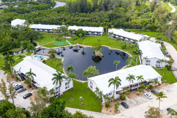 Photo Wonderful 900 sqft, 1 bed, 1 bath floorplan at Coral Waters (South Fort Myers)